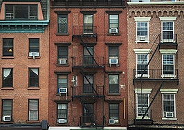 Manhattan condo flippers forced to consider long-term strategies