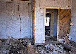 Windy City knocks down housing