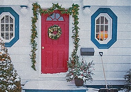 5 ways to deck the halls — while keeping the home market-ready