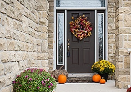 9 tips to transition into seasonal decor buyers will fall for